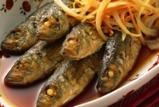 煎炸野鱼图片