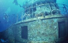 海底沉船图片