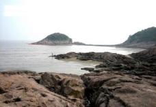 海滩礁石1图片
