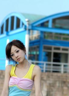 湾网络人气美女果子MM三色裙图片